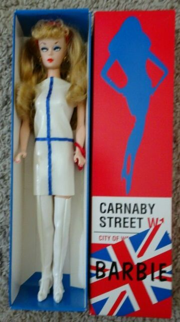 RARE 1997 Carnaby Street Great Britain Barbie Con  LE 140