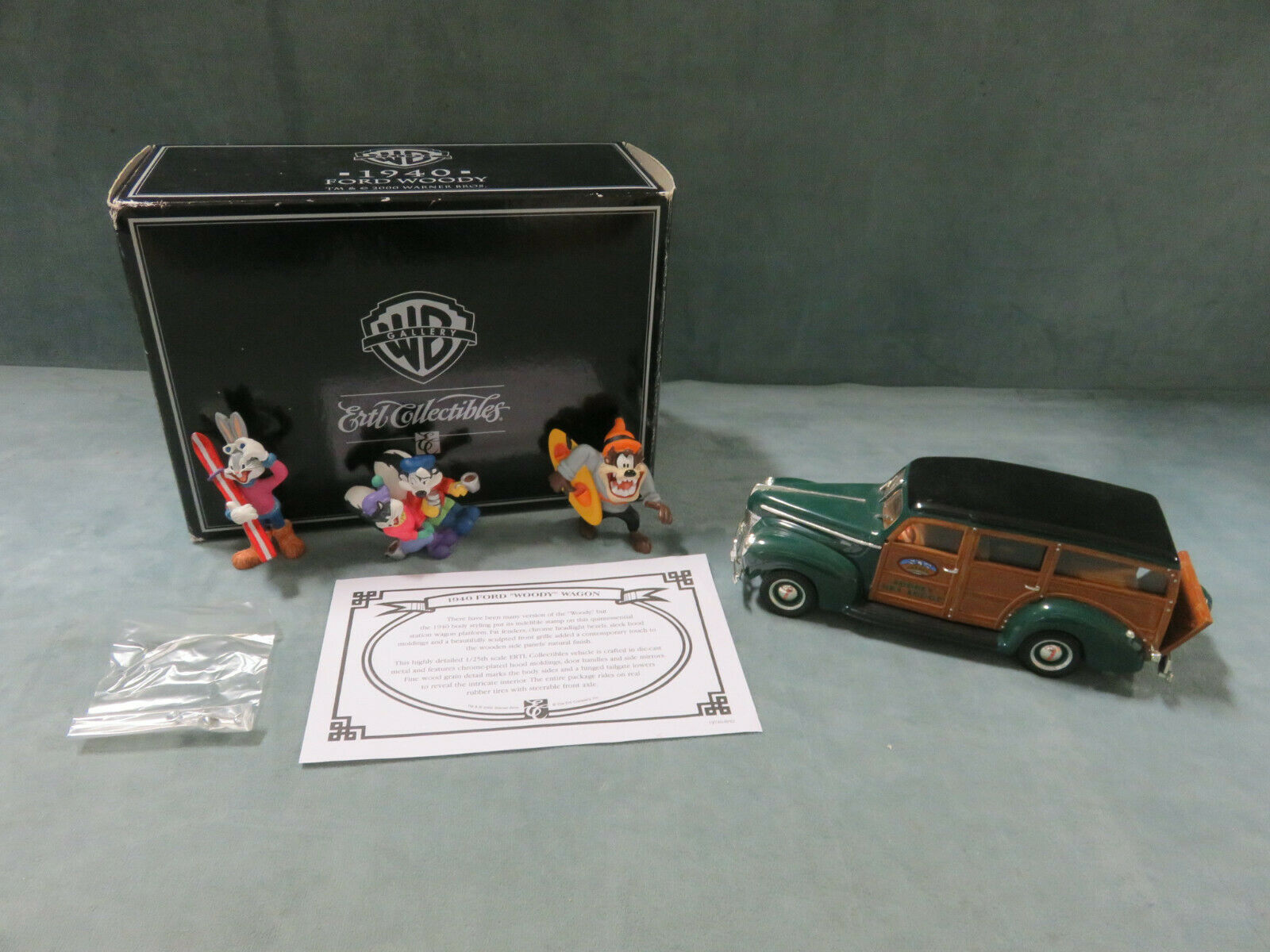 1940 FORD WOODY Die-Cast Warner Bros Gallery Ertl Collectibles (2000) NEW IN BOX
