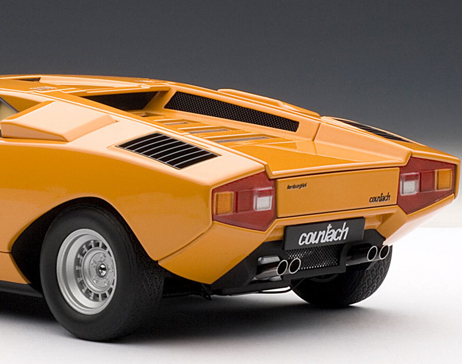 bilkonst 1  18 LAMBORGHINI COUNTACH LP400 1970 orange 7647