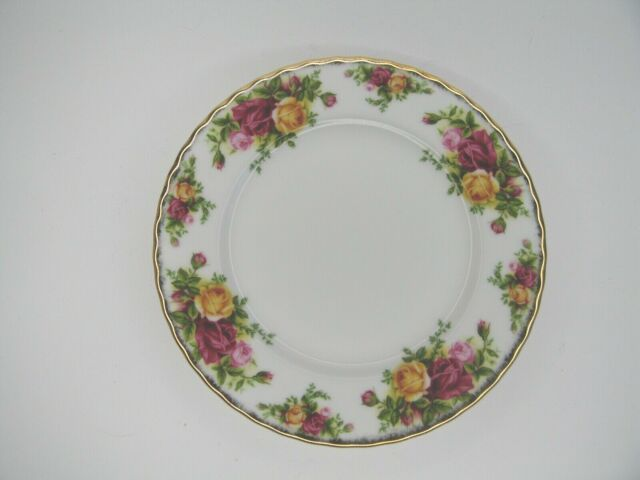 ROYAL ALBERT OLD COUNTRY ROSES SIDE PLATE 20CM NEW WITH BARCODE LABEL ATTACHED