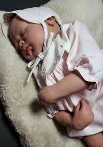 REBORN-19-034-GIRL-BABY-DOLL-HAND-PAINTED-HAND-SCULPT-LIFELIKE-REALISTIC-WEIGHTED
