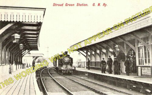Crouch End. Finsbury Park Stroud Green Railway Station Photo 1