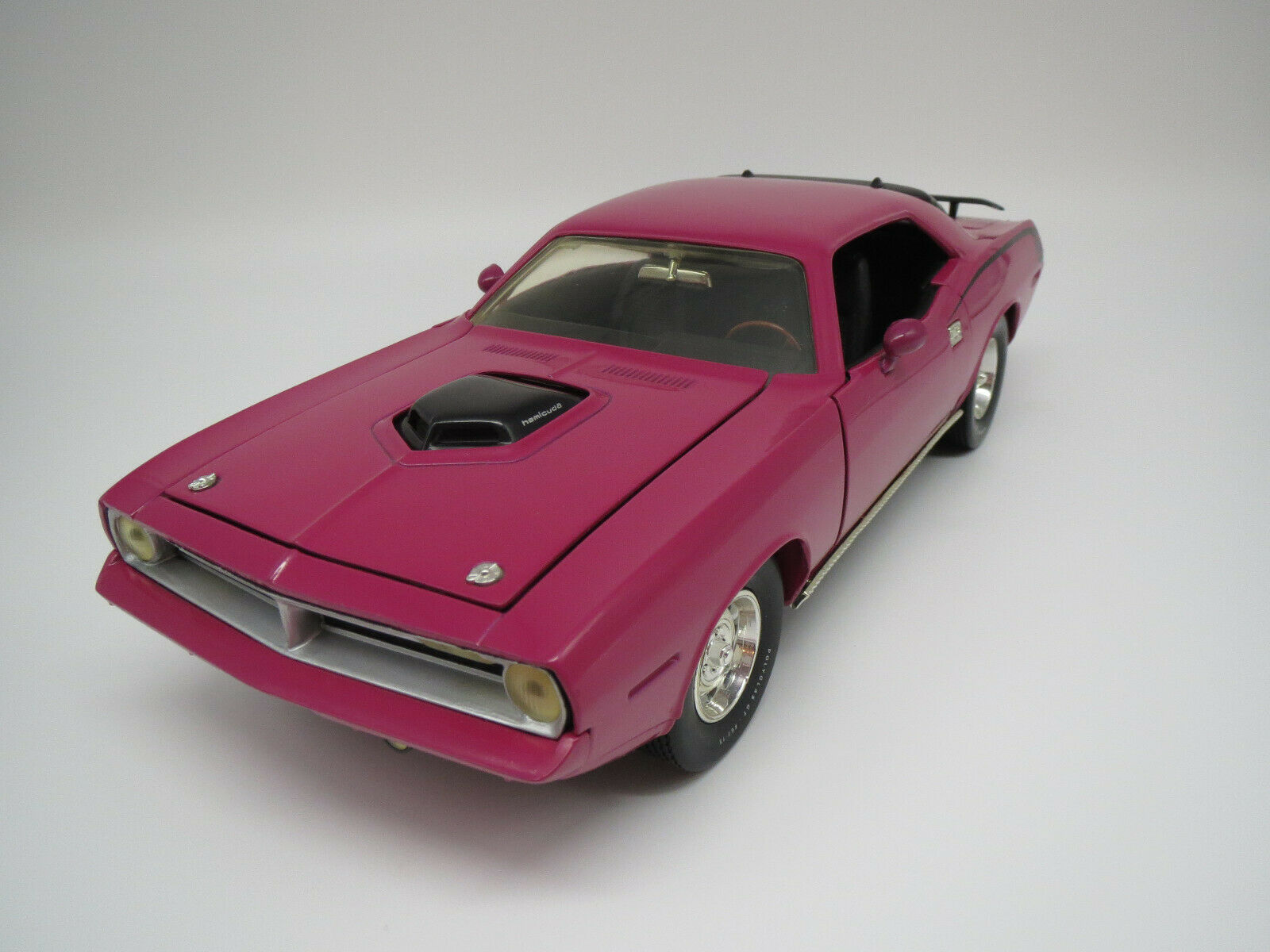 Ertl American Muscle  Plymouth  Hemi  Cuda   1970  (pink)  1 18 ohne Vp.