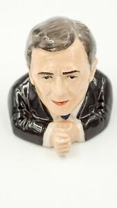PRESIDENT-GEORGE-BUSH-Ceramic-Face-Pot-by-Kevin-Francis-excellent-political