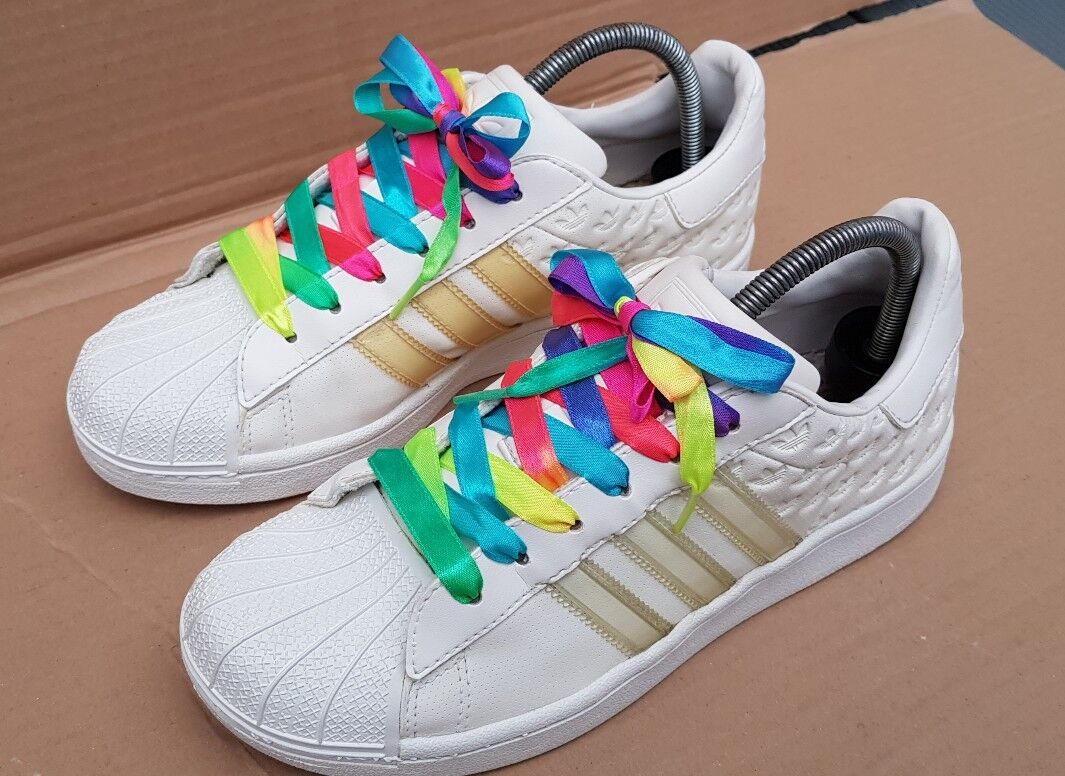 ADIDAS SUPERSTAR TRAINERS WEISS & CLR SIZE 5.5 UK RARE EMBOSSED EXCELLENT