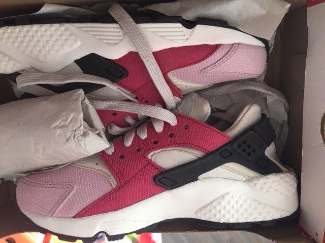Damenschuhe Nike Huarache Run Neu Damen Premium Sneaker Gr:37,5 bone-blk-pink  90 97