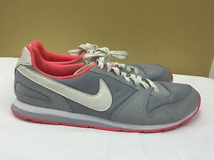 Nike Women fashion shoes gray/pink  386199-016 size  9.5 pre-owned
