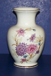 STUNNING-HOLLOHAZA-HUNGARY-FLORAL-WITH-GOLD-TRIM-5-3-4-034-VASE