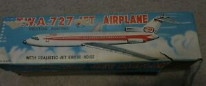 Vintage-TWA-Boeing-727-Friction-Powered-Tin-Jet-Airplane-made-in-Japan-EX