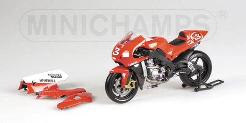 MINICHAMPS 122 026303 YAMAHA YZR M1 model motorbike Max Biaggi MotoGP 2002 1 12