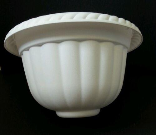 "Set of 10-12/"" WHITE PLASTIC SPARTA URNS PLANTERS pots URN Landmark pedestal"