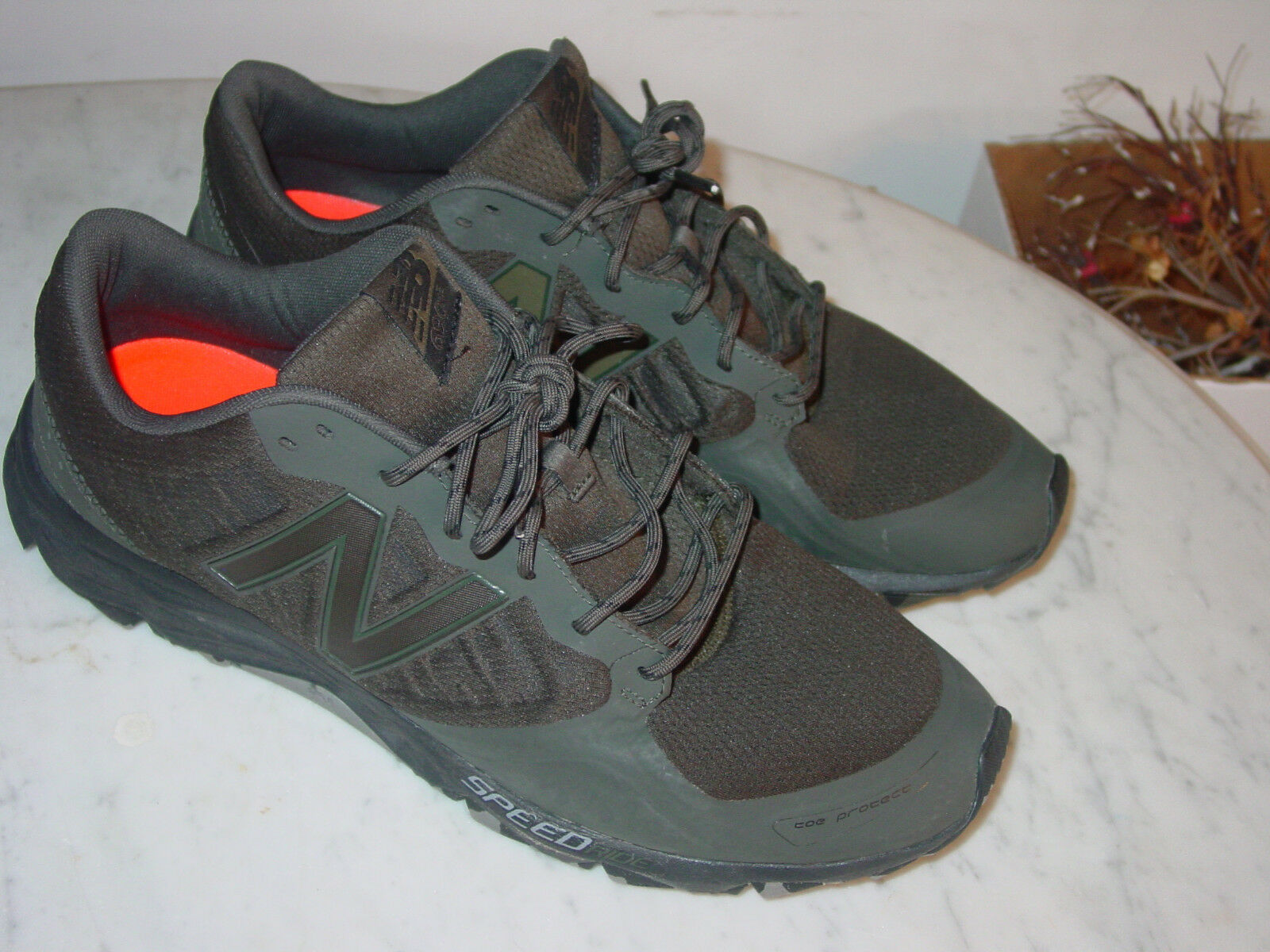 2017 Mens New Balance T690V2  MT690RG2  Forest Green Trail Running shoes Size 14
