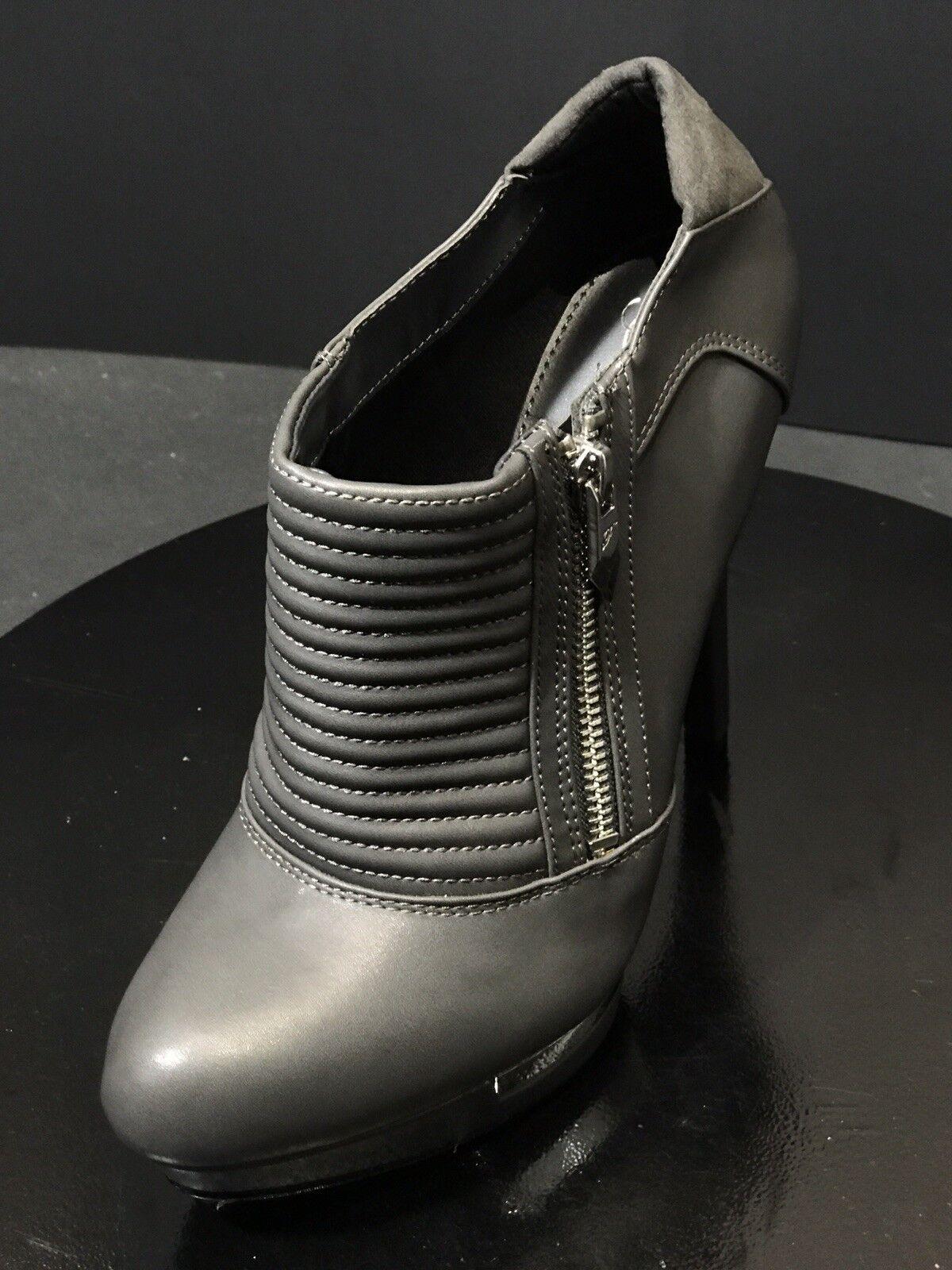 ordina ora i prezzi più bassi New Fergie Wander Wander Wander Donna  Dress Pump Heels grigio Colore avvioies Dimensione US 8.5 M  wholesape economico