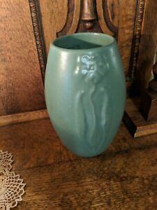 """Vintage Arts & Crafts Zanesville Pottery Stylized Flower Vase Matte Green 9"""""""