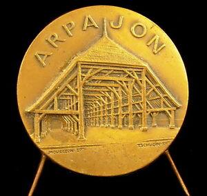 Medaille-Foire-aux-Haricots-d-039-Arpajon-vue-des-Halles-du-XIX-eme-Tschudin-medal