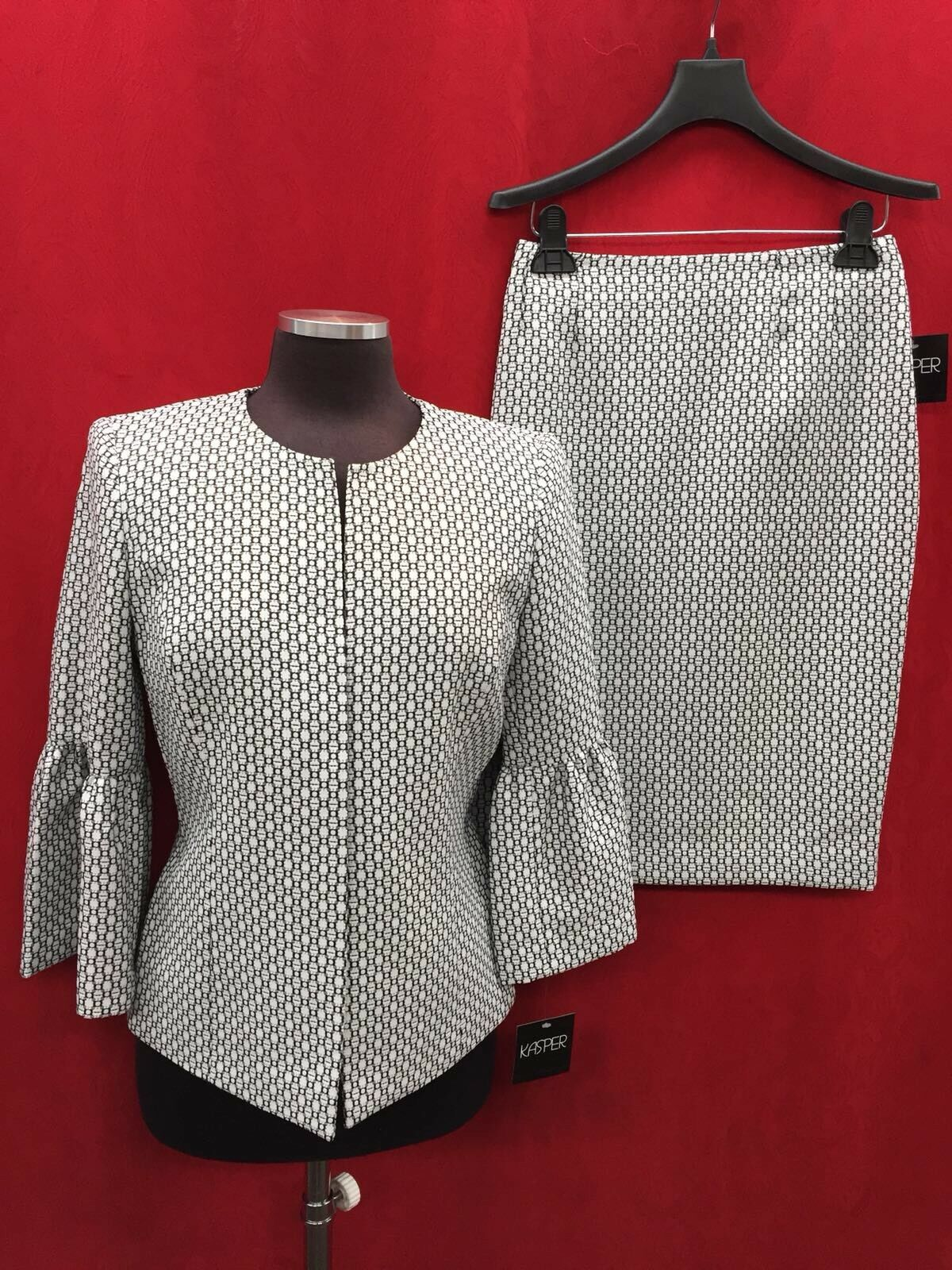 KASPER SKIRT SUIT LINED RETAIL 240 SKIRT LENGTH 24  SIZE 14 NEW WITH TAG
