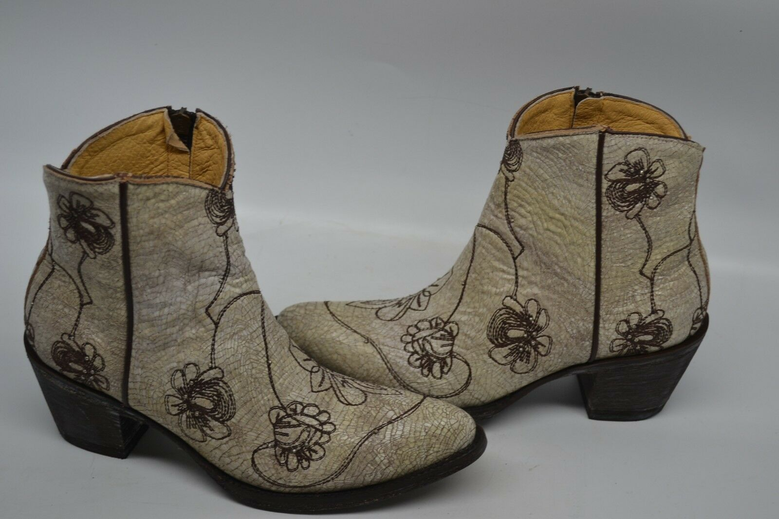 Womens Idyllwind By Miranda Lambert VEGAS BOOTIE CRACKLED WHITE ANKLE Boot 7.5 B