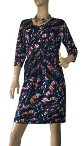 TEABERRY-SIZE-12-ABSTRACT-DESIGN-SHIFT-DRESS