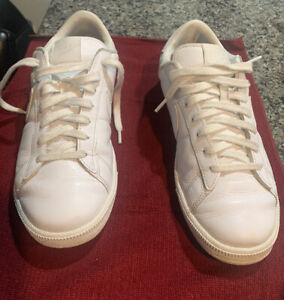 Womens Size 10 Nike Tennis Classic White Leather Shoes 312498-129
