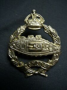 CANADIAN-ARMOURED-FIGHTING-VEHICLES-TRAINING-CENTRE-WWII-CAP-BADGE-C-56-R-C-A-C