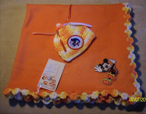 "Girls Baby Feet 29x26""Micky Mouse Fleece Blanket w//Crochet Trim /& Beanie Set"