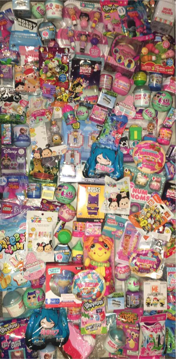 SURPRISE BLIND BAG LOT (12) RANDOM - LOL, NUM NOMS, SQUISHIES, POPCAKE + LTS2