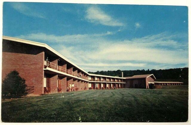 Outside The Gardens Motel Near Pine Mountain Georgia GA Advertising Postcard