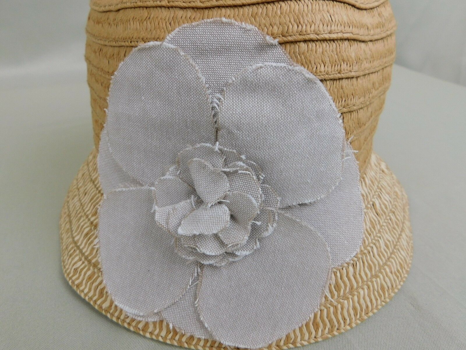NWT August Hat Company Tan Natural Cloche Hat Flower Floral Accent OS
