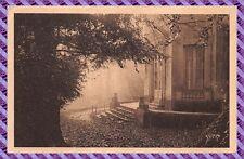 Carte Postale - Versailles - un matin d'automne au temple de la musique