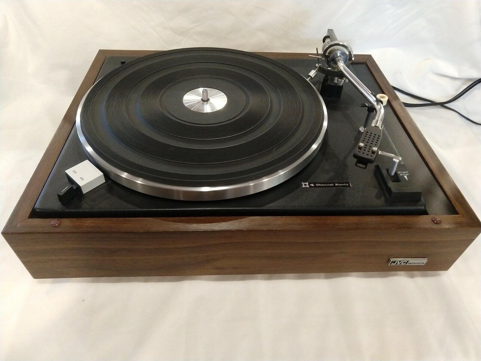 JVC SRP-473E Turntable in excellent condition, freshly serviced, with dust cover. Buy it now for 300.00