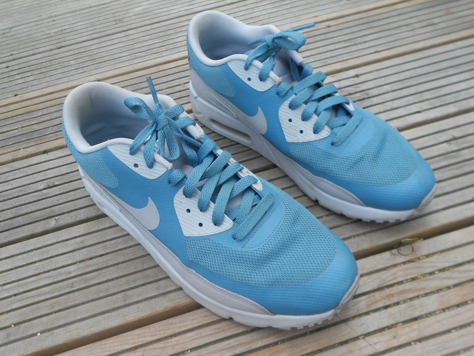 NIKE AIR MAX 90 ULTRA ESSENTIAL RUNNING TRAINERS UK SIZE 9 - IN GOOD CONDITION