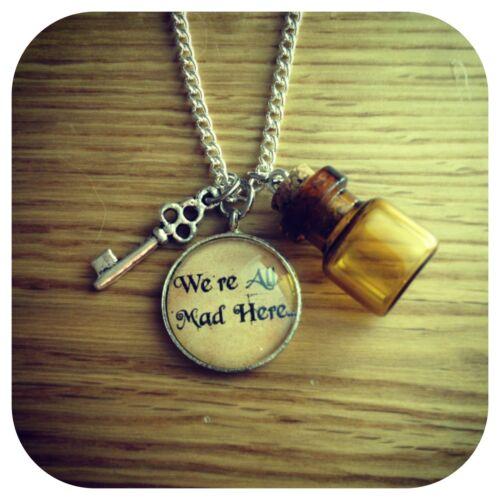 Alice In Wonderland Estamos Todos Locos aquí Mini bebida me Botella /& clave Collar V2