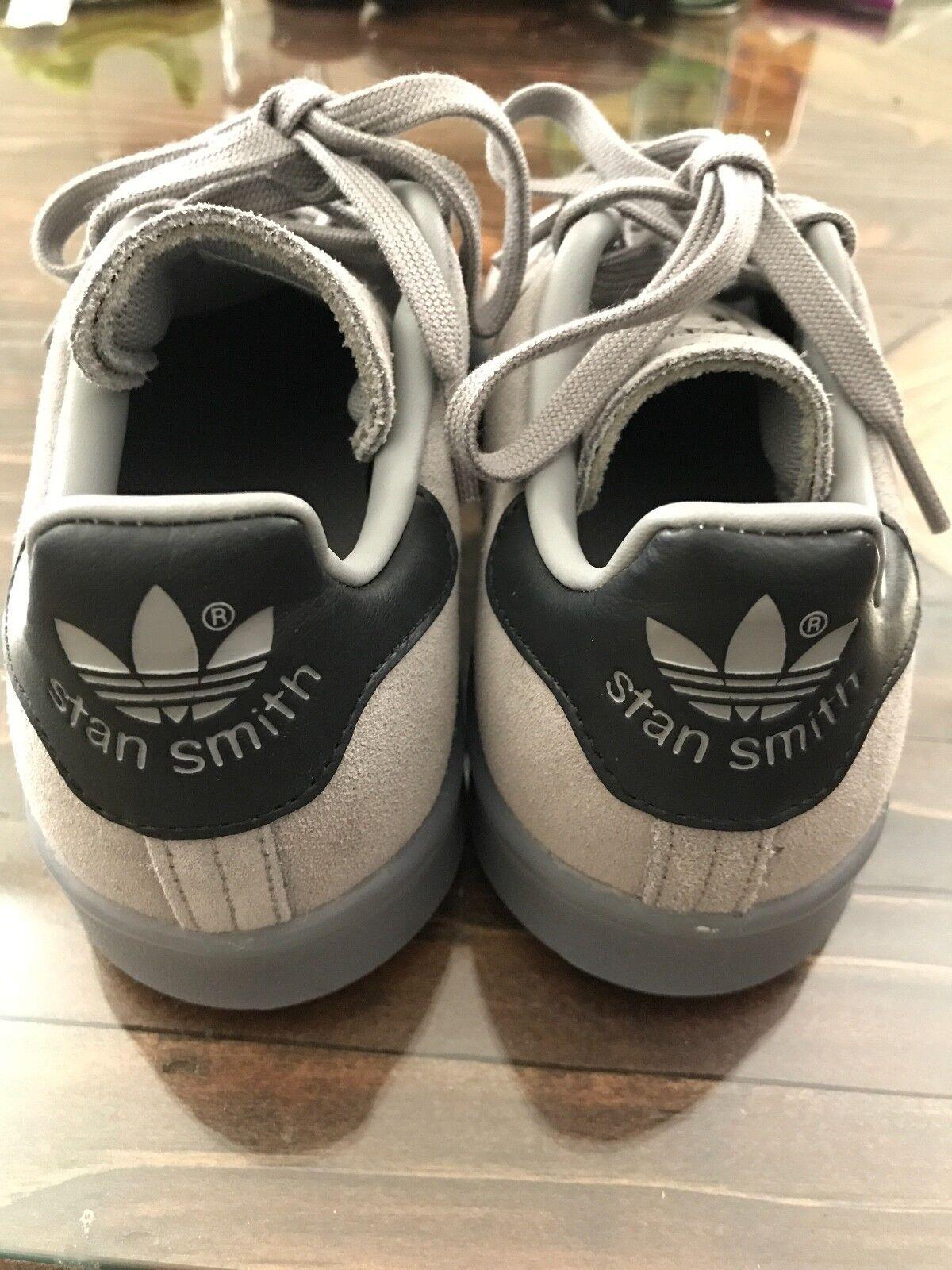 adidas ist größe aus grauem wildleder - mens größe ist 4 ausgezeichneten zustand d70eb2