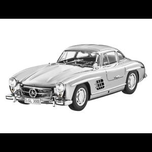 Mercedes-Benz-W-198-300-Sl-Coupe-Polished-Chrome-1-18-Nip-Minichamps-Limited