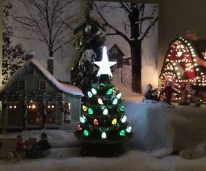 Ceramic-Light-Up-Christmas-Tree-Holiday-Green-7-5-034-4-Hr-Timer-Village-Size-NIB