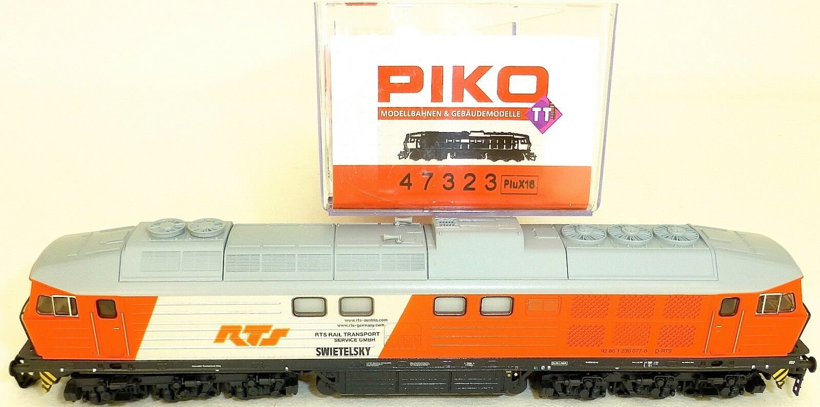 230 077 RTS LOCOMOTIVE DIESEL LUDMILLA (comme BR 130 ) PLUX16 PIKO 47323 TT