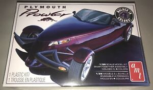 AMT-Plymouth-Prowler-Snap-1-25-scale-model-car-kit-new-1083