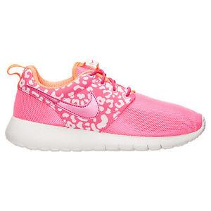 online store 4c058 77134 NEW NIKE ROSHE ONE PRINT Womens 7.5 (6Y) Running PINK POW ...