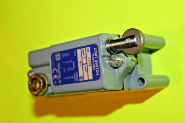 Square D CLASS 9007AW32M11 IP67 sealed Limit Switch