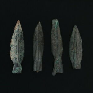 Ancient-Arrowheads-Trilobate-Pyramid-Triblade-Patinaed-Weaponry-Lot-of-4