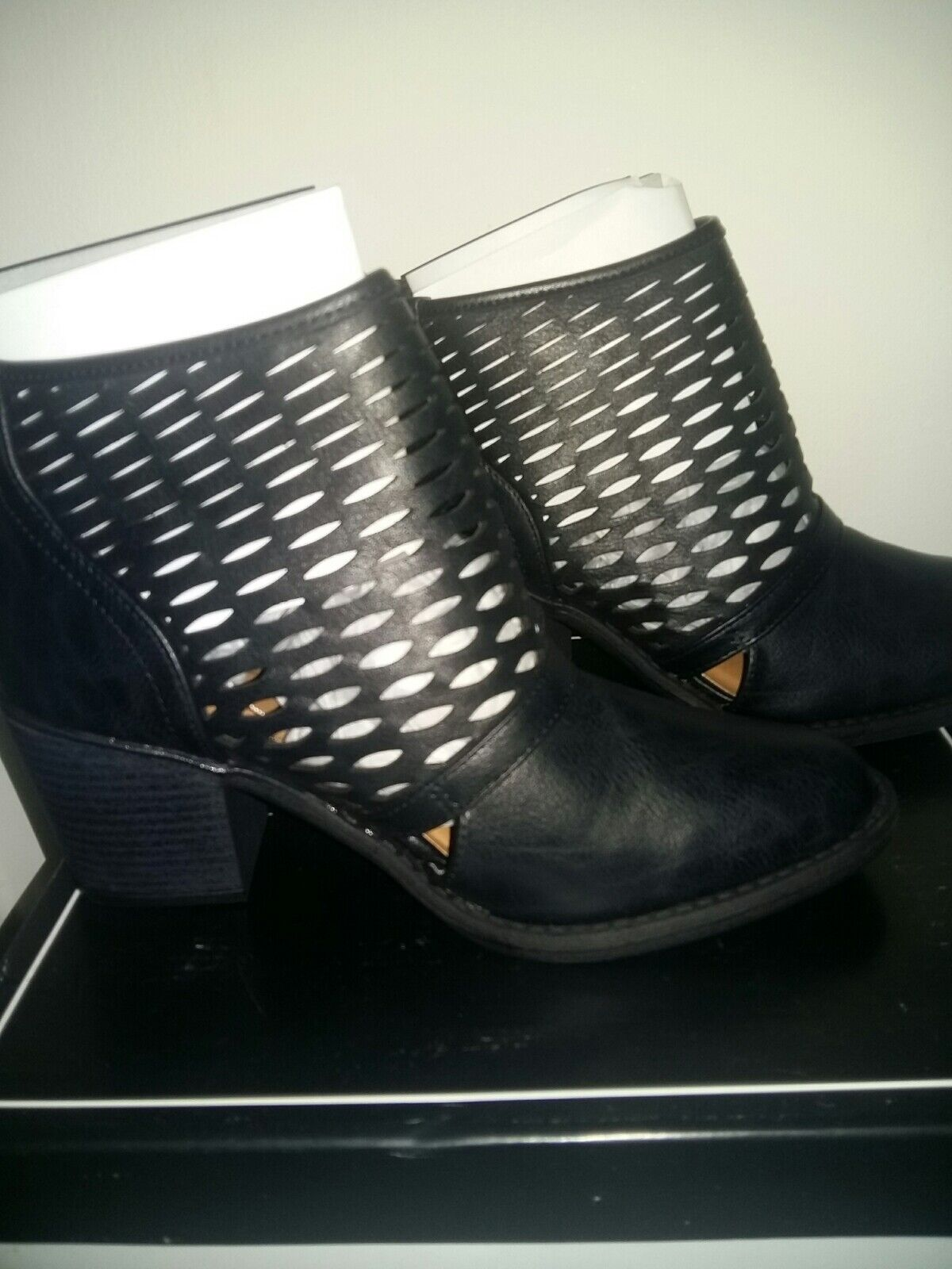 Black Ankle Boots Size 7.5 uk. Qupid. Rrp