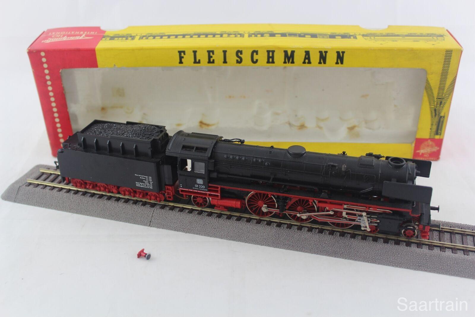Fleischmann 1362 locomotiva BR 01 220 delle DB con OVP