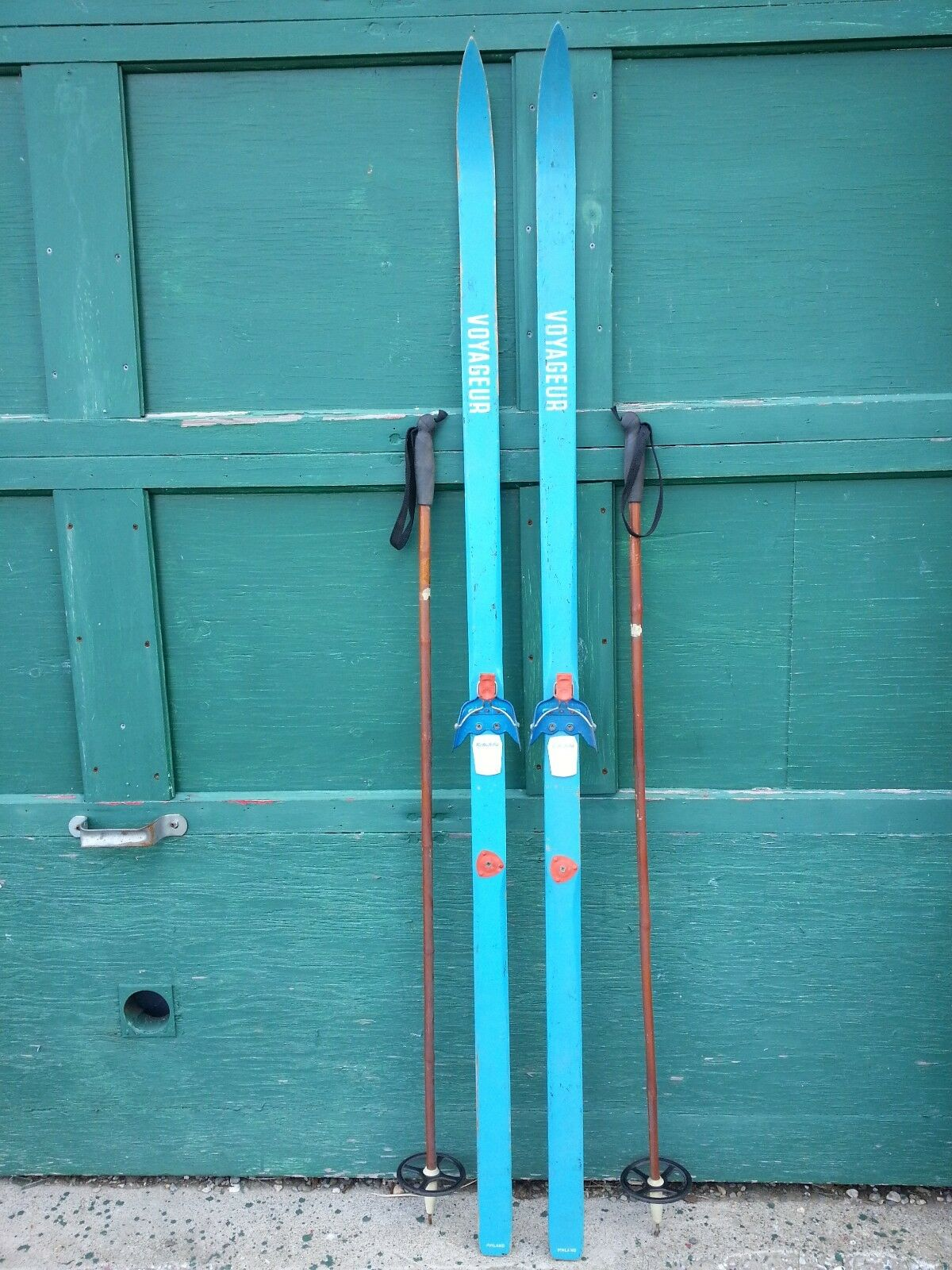 A Very Interesting Vintage Wooden 71  Long Skis blueE Finish Signed VOYAGEUR