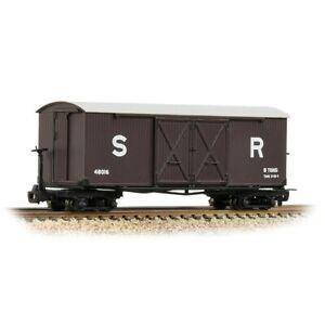 Bachmann-393-028-009-scale-narrow-gauge-Bogie-Covered-Goods-Wagon-SR-Brown