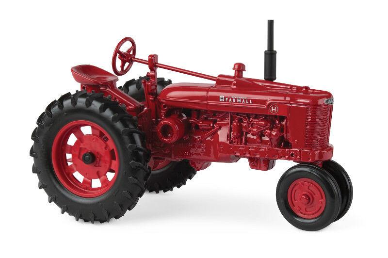 1 16th Farmall H Narrow Front Tractor