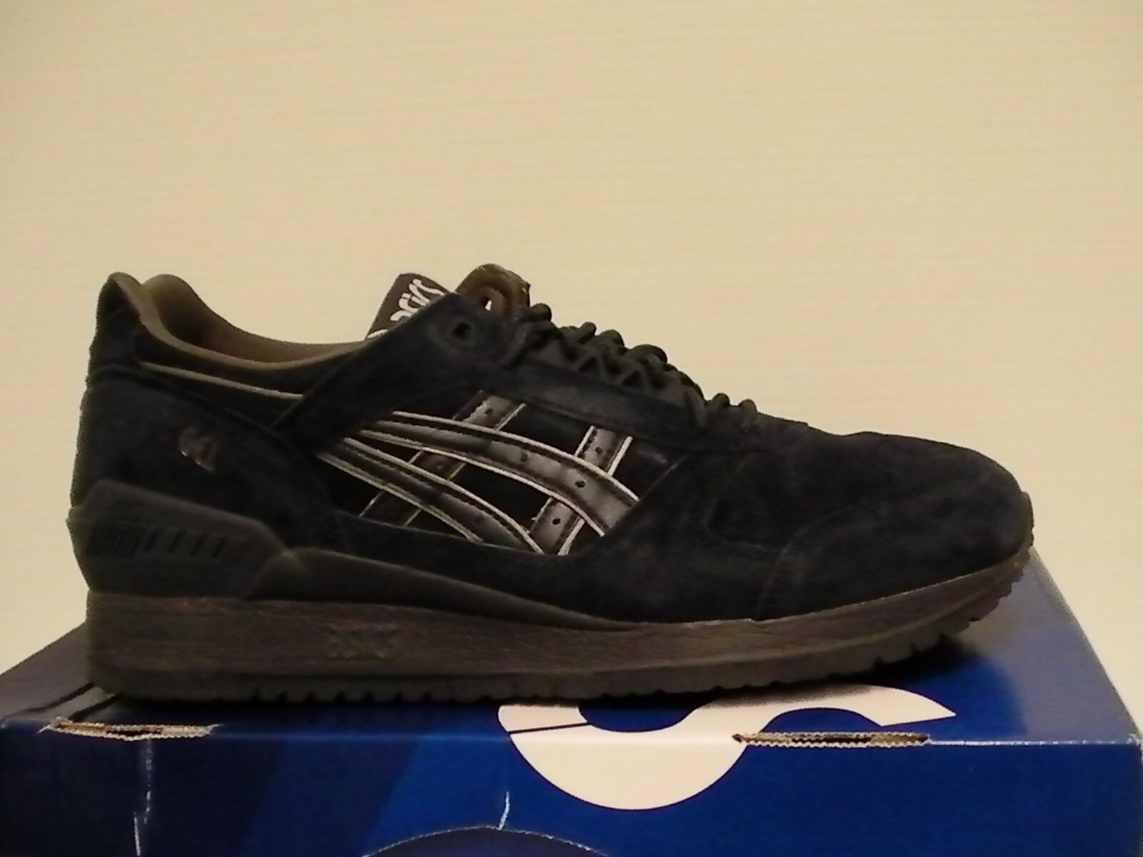 Asics men running shoes gel-lyte iii size 10.5 us indian ink new with box