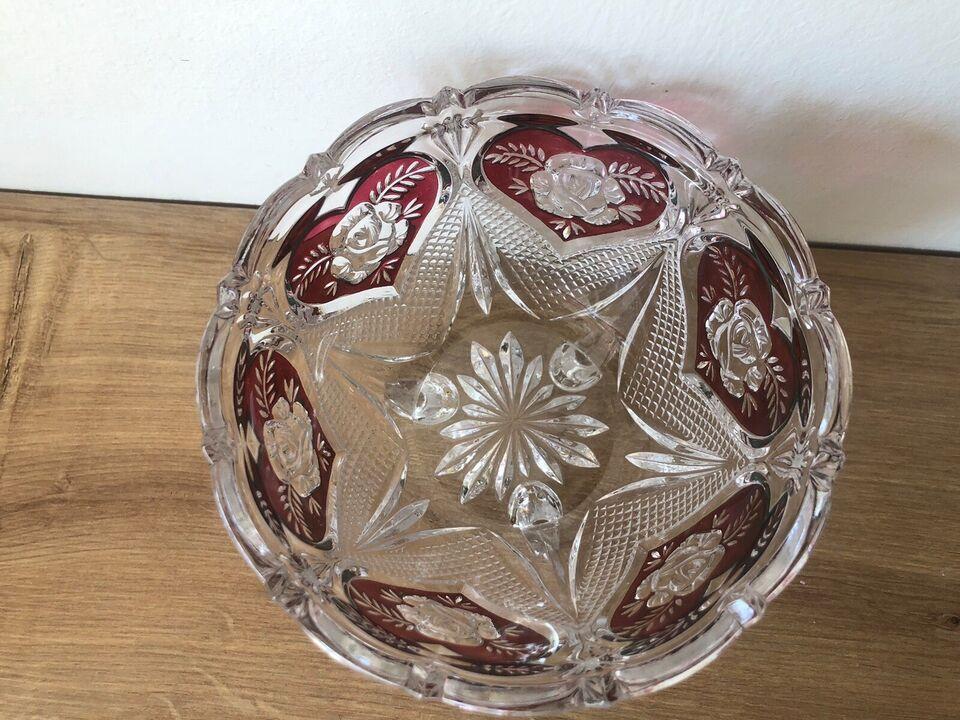 Glas, Bøhmisk krystal skål