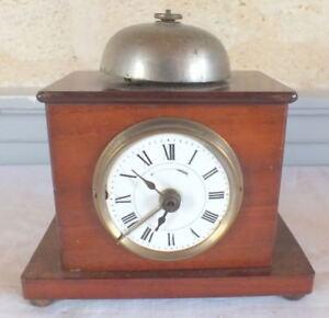 Constructif Réveil Pendule De Table Acajou Clock Promouvoir La Production De Fluide Corporel Et De Salive
