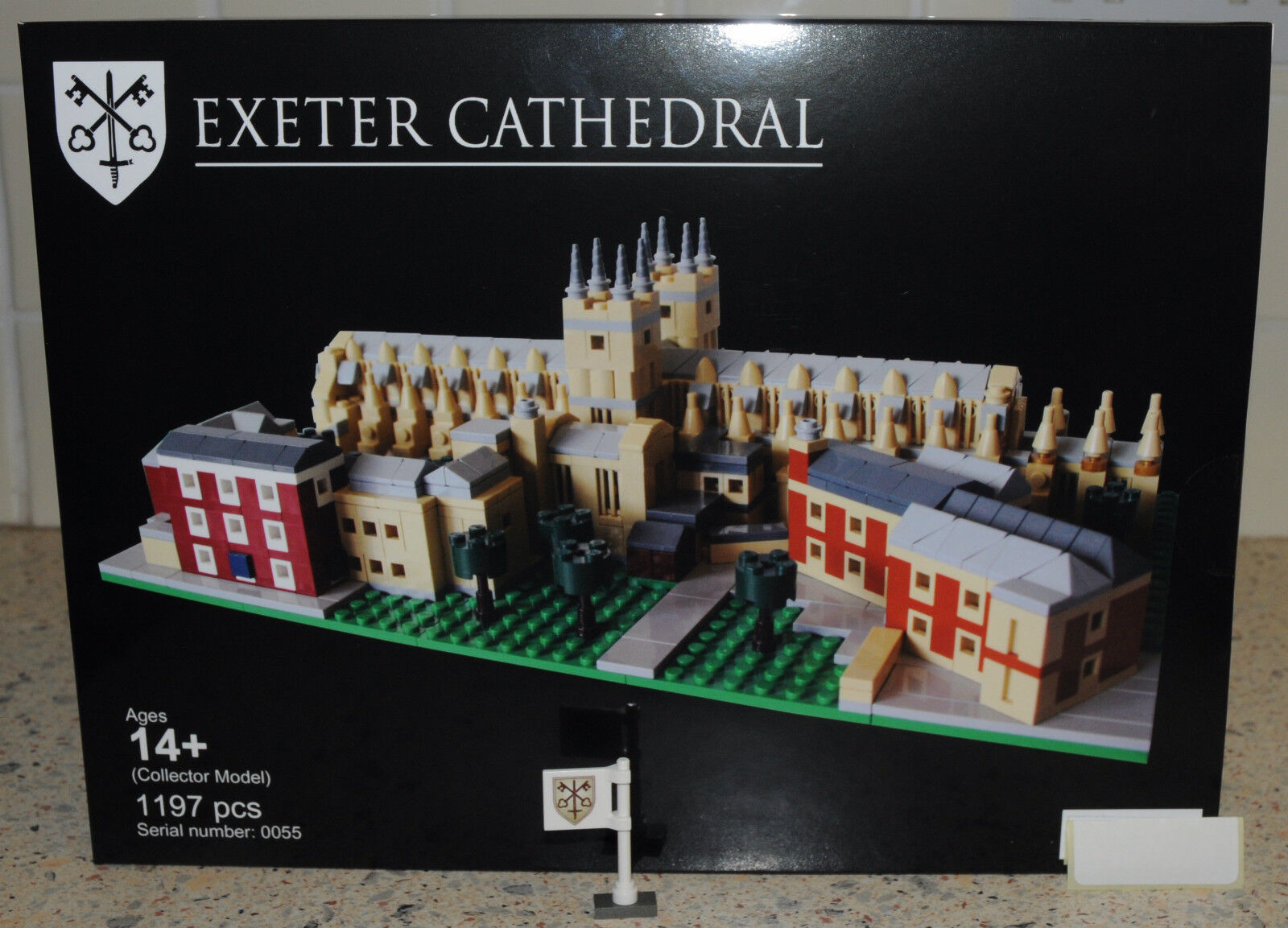 Rare Limited Edition LEGO Exeter Cathedral Version 2 Kit & BONUS CATHEDRAL FLAG