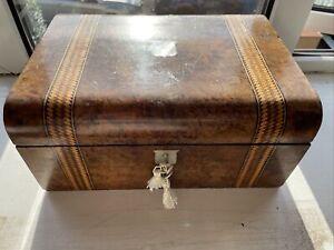 BELLA antica portagioie in rovere con madreperla Inset